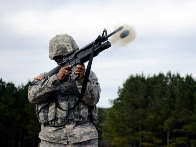 M203 Grenade-Launcher Firing